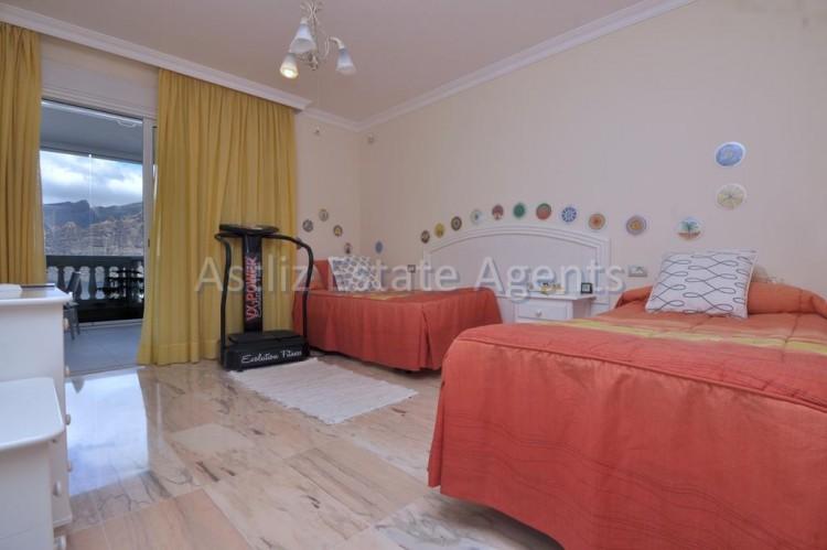 3 Bed  Flat / Apartment for Sale, Puerto De Santiago, Santiago Del Teide, Tenerife - AZ-1259 10
