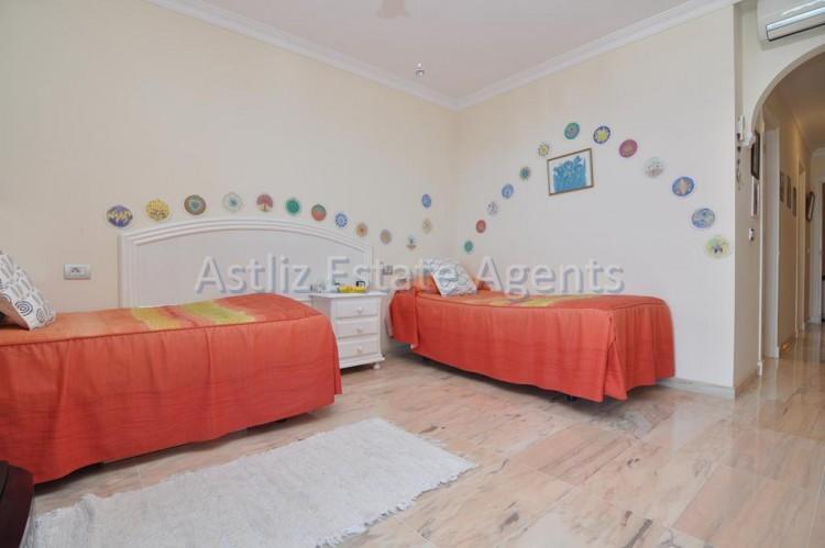 3 Bed  Flat / Apartment for Sale, Puerto De Santiago, Santiago Del Teide, Tenerife - AZ-1259 11