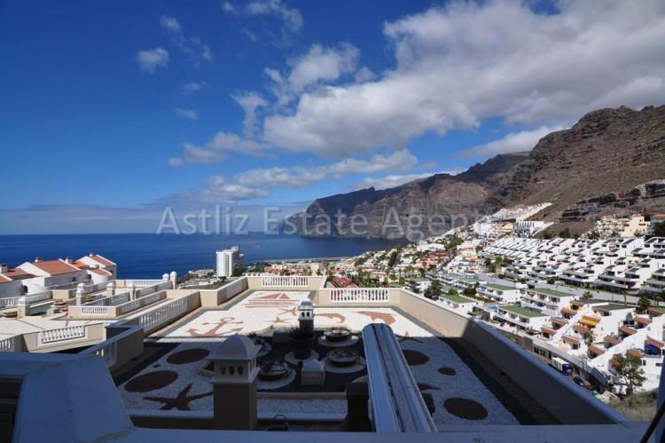 3 Bed  Flat / Apartment for Sale, Puerto De Santiago, Santiago Del Teide, Tenerife - AZ-1259 2