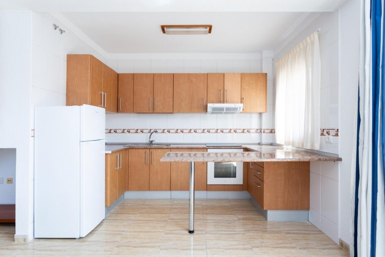 2 Bed  Flat / Apartment for Sale, Arona, Santa Cruz de Tenerife, Tenerife - IN-214 10