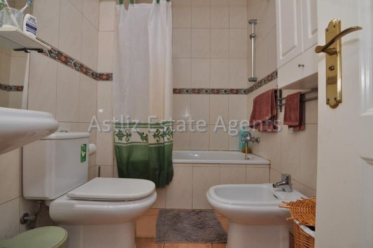 1 Bed  Flat / Apartment for Sale, Playa Paraiso, Adeje, Tenerife - AZ-1262 5