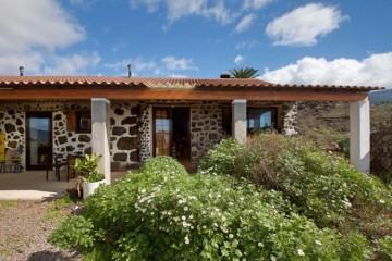 4 Bed  Villa/House for Sale, Tajuya, El Paso, La Palma - LP-E591