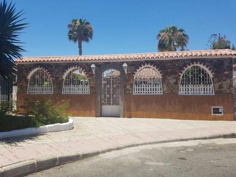 3 Bed  Villa/House to Rent, Las Palmas, Playa del Inglés, Gran Canaria - DI-2137 1