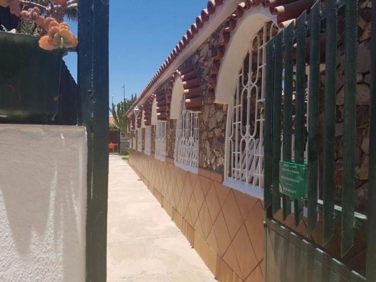 3 Bed  Villa/House to Rent, Las Palmas, Playa del Inglés, Gran Canaria - DI-2137 13