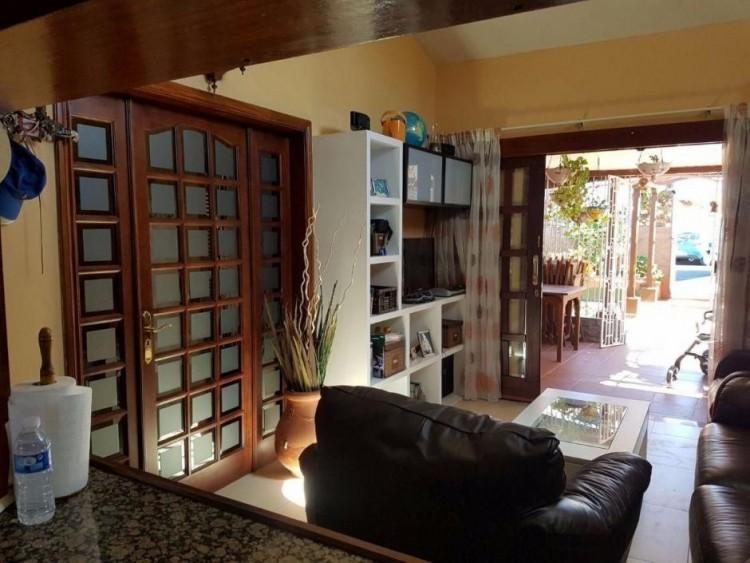 3 Bed  Villa/House to Rent, Las Palmas, Playa del Inglés, Gran Canaria - DI-2137 8