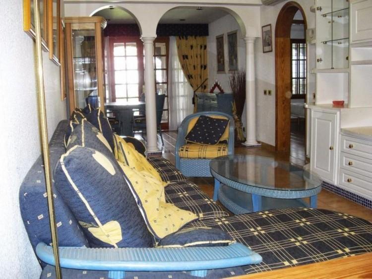 2 Bed  Villa/House to Rent, Las Palmas, Playa del Inglés, Gran Canaria - DI-10323 3