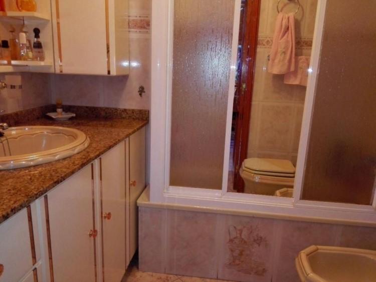 2 Bed  Flat / Apartment to Rent, Las Palmas, Playa del Inglés, Gran Canaria - DI-12713 10