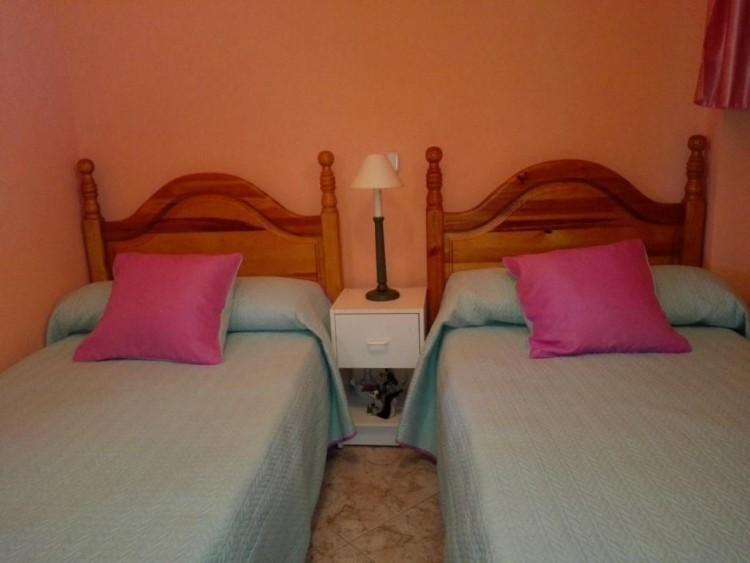 2 Bed  Flat / Apartment to Rent, Las Palmas, Playa del Inglés, Gran Canaria - DI-12713 16