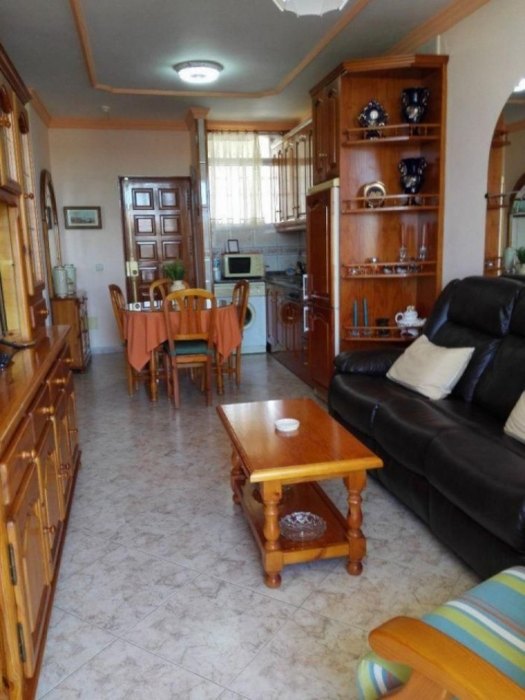 2 Bed  Flat / Apartment to Rent, Las Palmas, Playa del Inglés, Gran Canaria - DI-12713 3