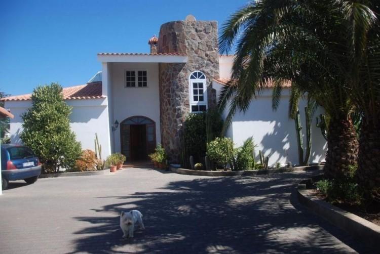 4 Bed  Villa/House for Sale, Las Palmas, San Bartolomé Interior, Gran Canaria - DI-6995 10