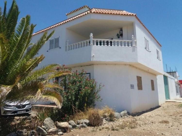 3 Bed  Villa/House for Sale, Las Palmas, San Bartolomé Interior, Gran Canaria - DI-10916 2