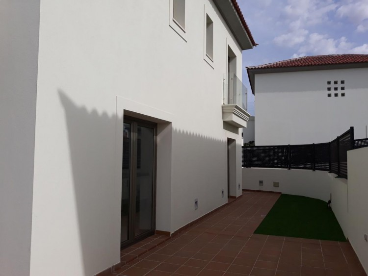 3 Bed  Villa/House for Sale, Chayofa, Santa Cruz de Tenerife, Tenerife - IN-210 4