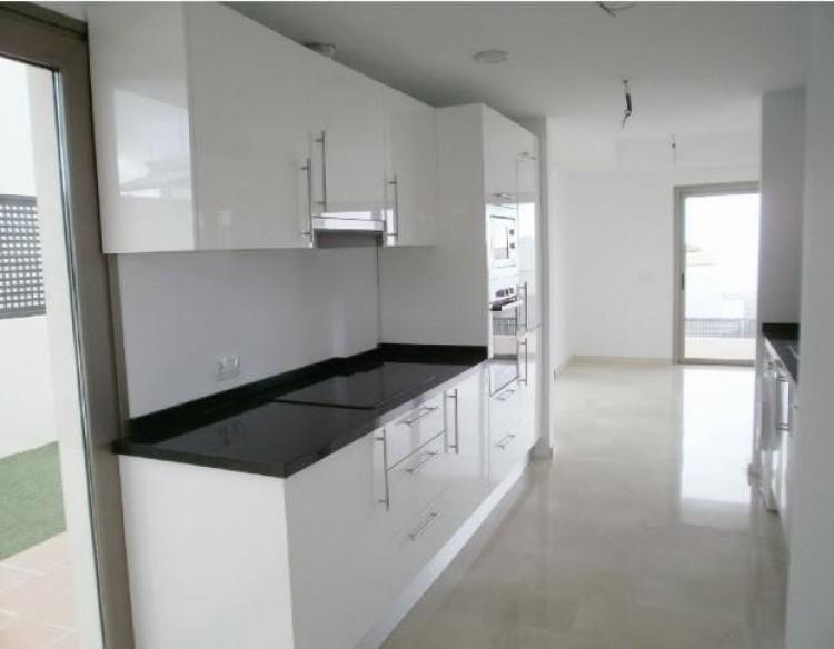3 Bed  Villa/House for Sale, Chayofa, Santa Cruz de Tenerife, Tenerife - IN-210 5
