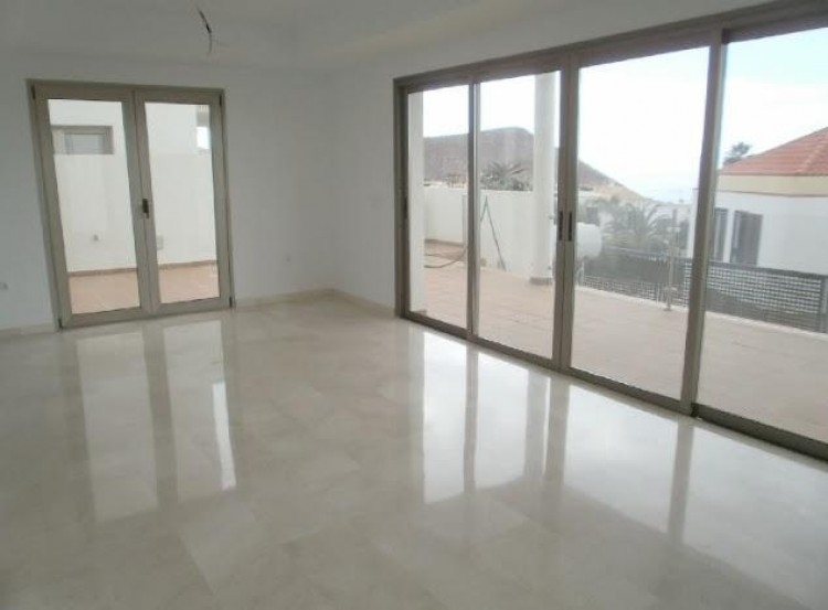 3 Bed  Villa/House for Sale, Chayofa, Santa Cruz de Tenerife, Tenerife - IN-210 8