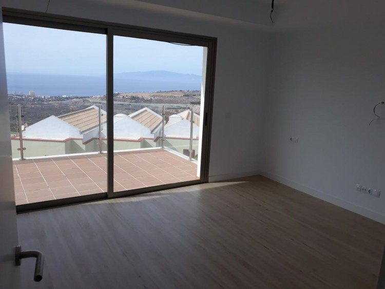 3 Bed  Villa/House for Sale, Chayofa, Santa Cruz de Tenerife, Tenerife - IN-210 9