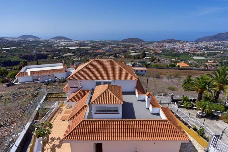 6 Bed  Villa/House for Sale, Los Pedregales, El Paso, La Palma - LP-E602 1