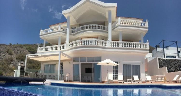 7 Bed  Villa/House for Sale, Torviscas Alto, Tenerife - TP-7900 17