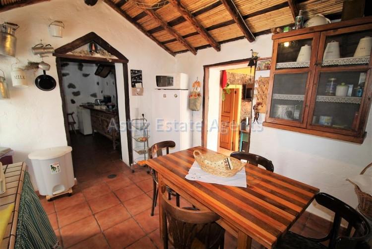 4 Bed  Villa/House for Sale, Chirche, Guia De Isora, Tenerife - AZ-1281 18