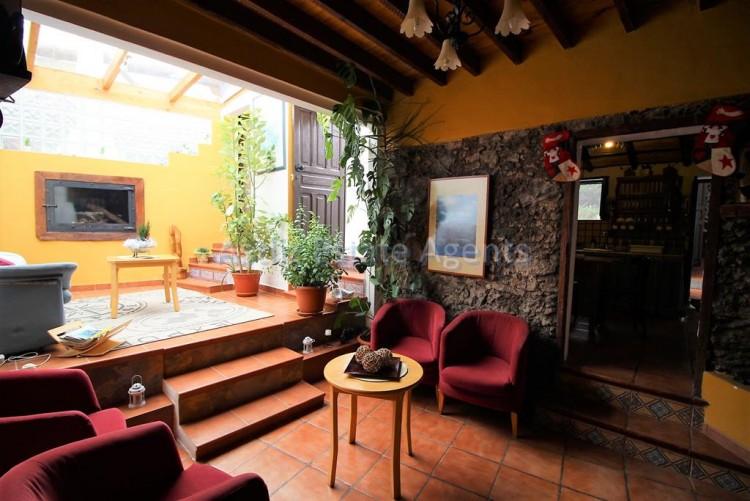 4 Bed  Villa/House for Sale, Chirche, Guia De Isora, Tenerife - AZ-1281 3