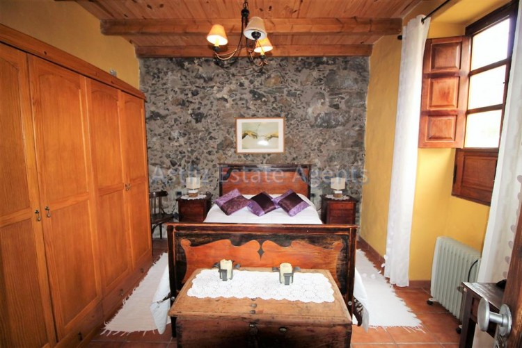 4 Bed  Villa/House for Sale, Chirche, Guia De Isora, Tenerife - AZ-1281 7