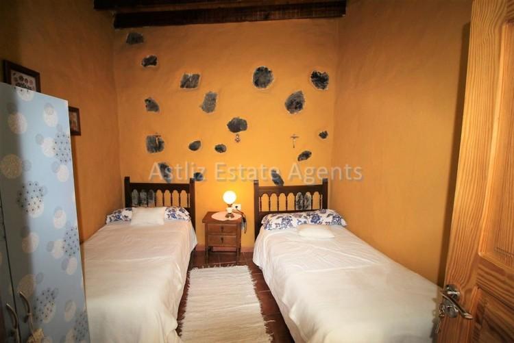 4 Bed  Villa/House for Sale, Chirche, Guia De Isora, Tenerife - AZ-1281 9