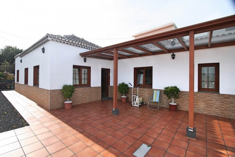 4 Bed  Villa/House for Sale, Las Ledas, Breña Baja, La Palma - LP-BB67 1