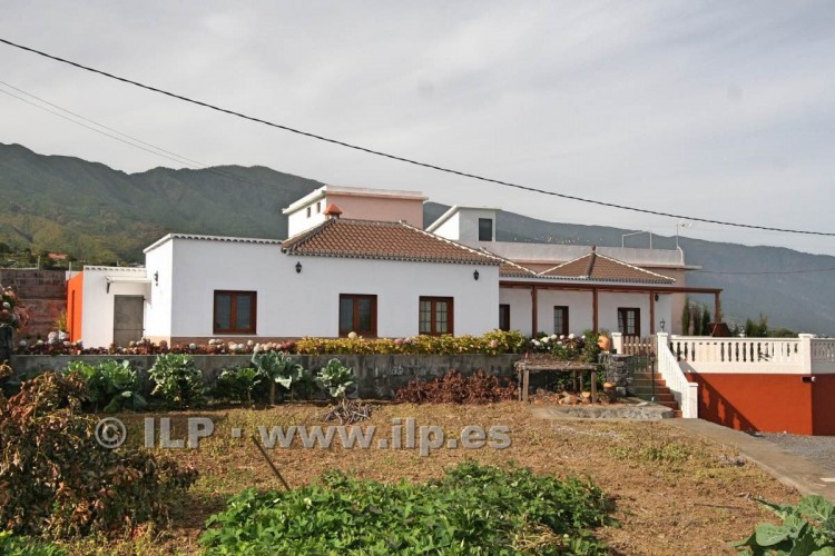 4 Bed  Villa/House for Sale, Las Ledas, Breña Baja, La Palma - LP-BB67 2