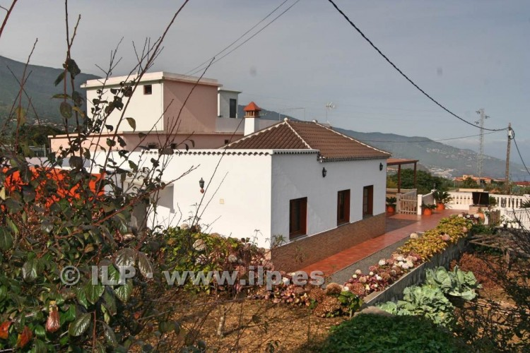 4 Bed  Villa/House for Sale, Las Ledas, Breña Baja, La Palma - LP-BB67 3