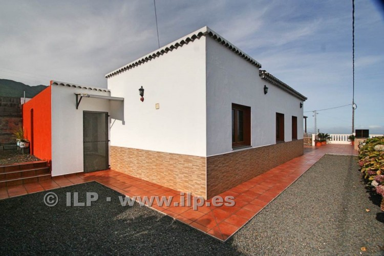 4 Bed  Villa/House for Sale, Las Ledas, Breña Baja, La Palma - LP-BB67 4