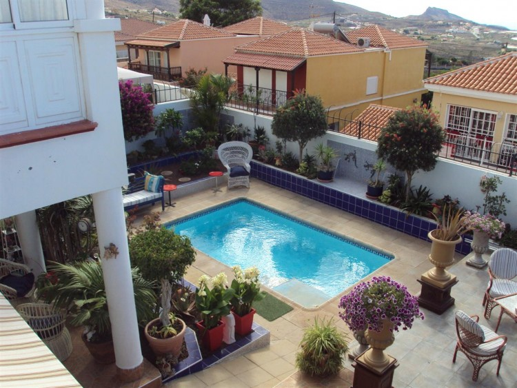 5 Bed  Property for Sale, Valle De San Lorenzo, Tenerife - PG-D1495 1