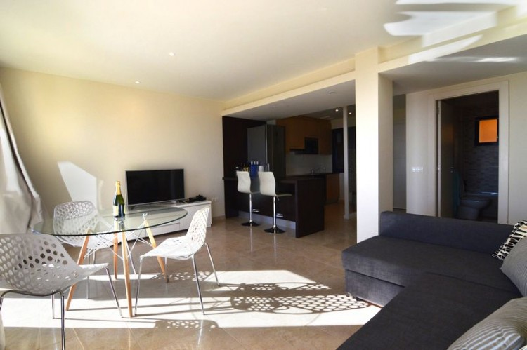2 Bed  Flat / Apartment for Sale, Caleta de Fuste, Las Palmas, Fuerteventura - DH-VPTAPCAL2-128 3