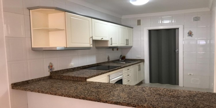 2 Bed  Flat / Apartment for Sale, Playa San Juan, Tenerife - SA-0073 12