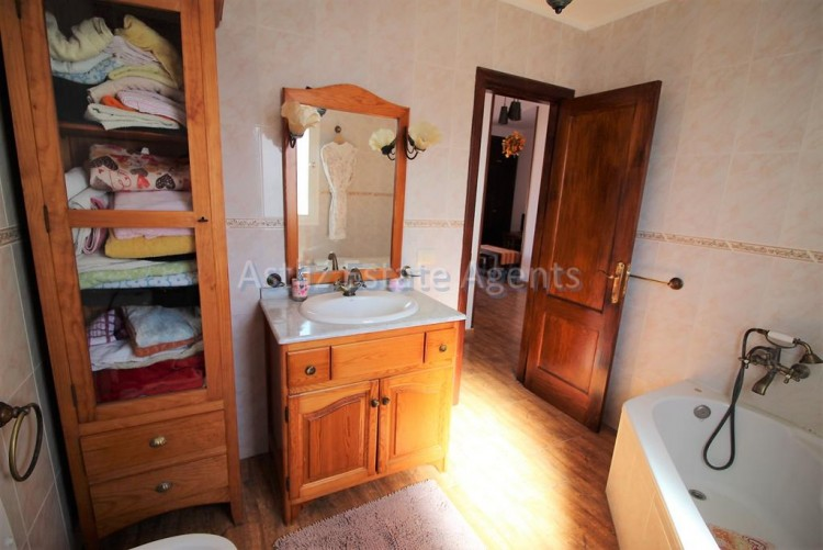 1 Bed  Flat / Apartment for Sale, Guia De Isora, Tenerife - AZ-1282 7