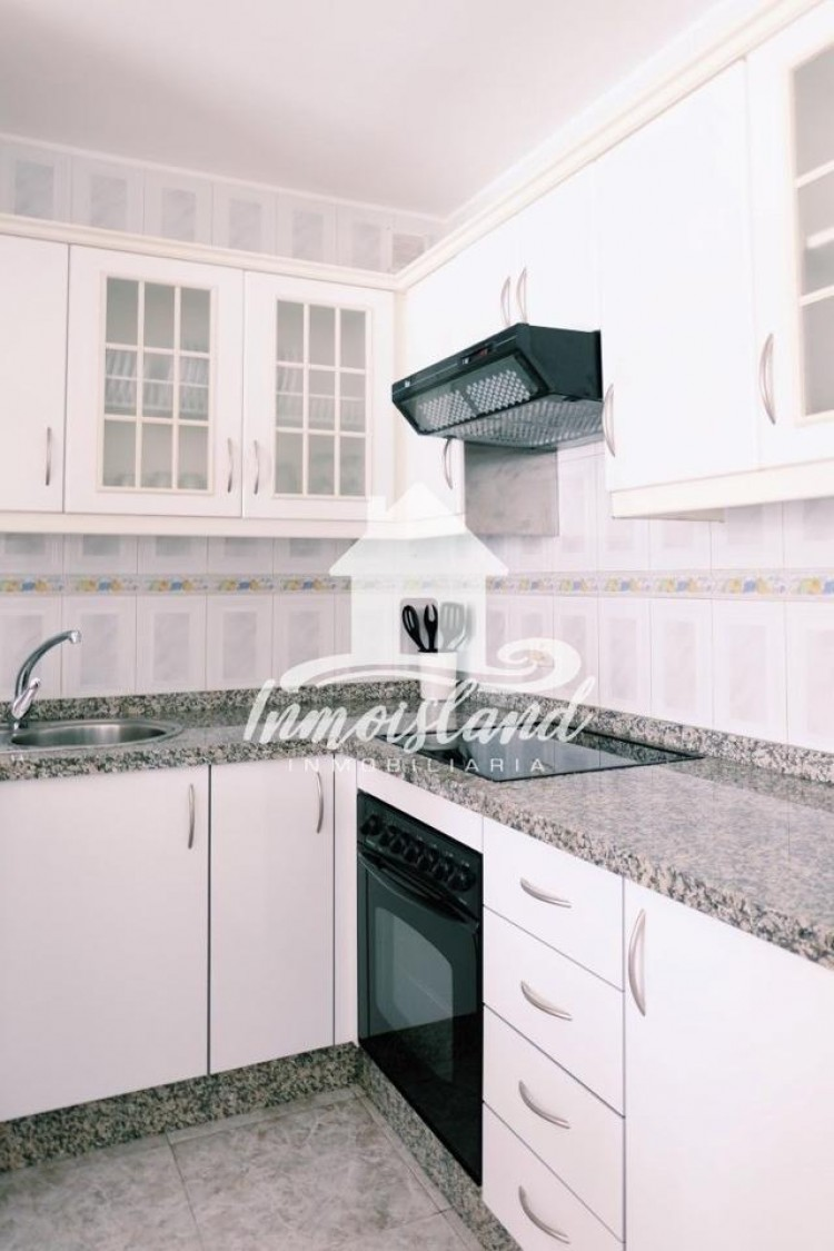 2 Bed  Flat / Apartment for Sale, Arona, Santa Cruz de Tenerife, Tenerife - IN-273 6