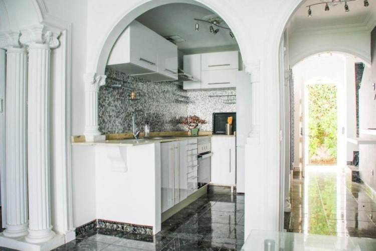 4 Bed  Villa/House for Sale, Las Palmas, Playa del Inglés, Gran Canaria - DI-14362 1