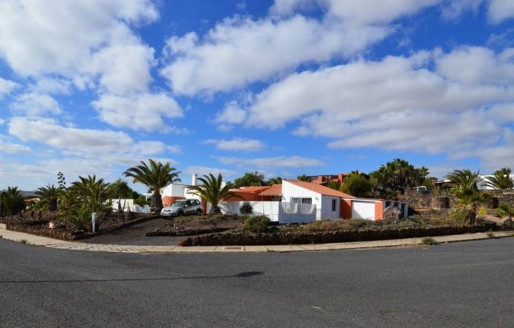 5 Bed  Villa/House for Sale, Parque Holandes, Las Palmas, Fuerteventura - DH-XVPTCHPH5CC3-128 3