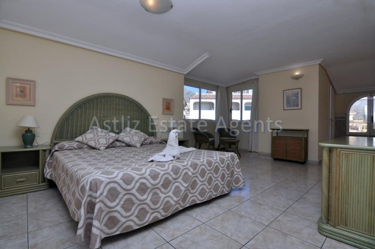 2 Bed  Flat / Apartment for Sale, Arona, Tenerife - AZ-1290 4